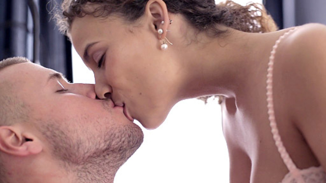 18-year-old-virgin-vasilisa-makes-out-with-her-boyfriend-to-get-ready-for-sex_01