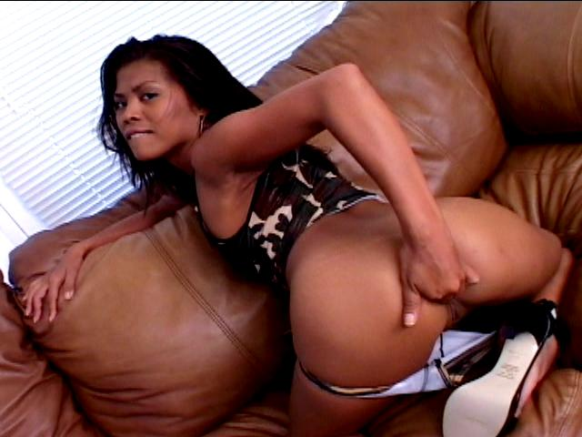 Amazing army slut Arcadia Davida fingering her round booty on the couch