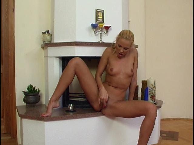 Amazing blonde chick rubbing and dildoing her bald quim Toys In Chicks XXX Porn Tube Video Image