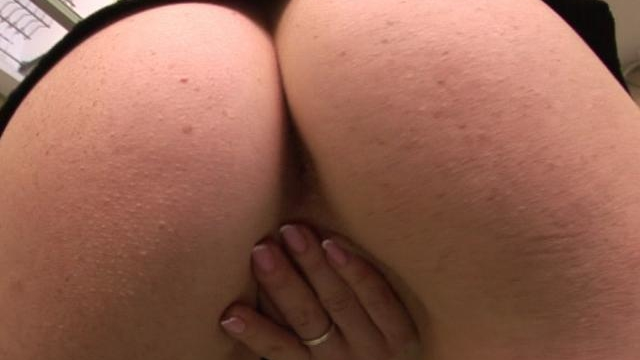 amazing-wife-stripping-and-rubbing-her-delicious-beaver_01