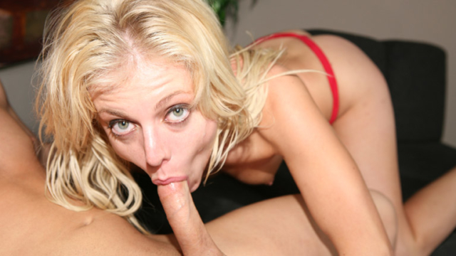 Angela-stone-gives-a-deep-throat-gagging-bj_01