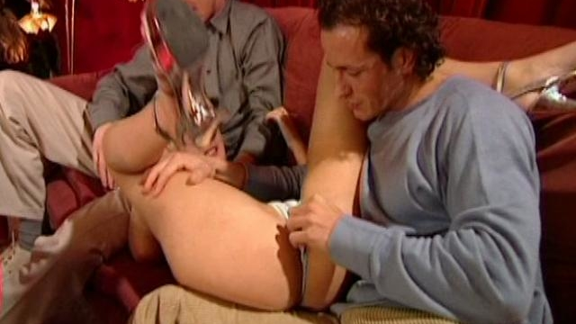 appealing-european-chick-getting-pussy-licked-and-fingered-by-two-studs_01