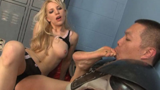 ashley-torments-pervy-quarterback_01