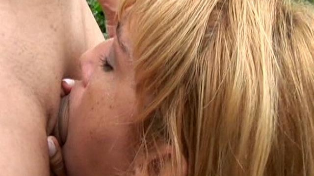 beautiful-blonde-harlot-with-hairy-pussy-luciane-slurping-a-giant-cock-in-backyard_01