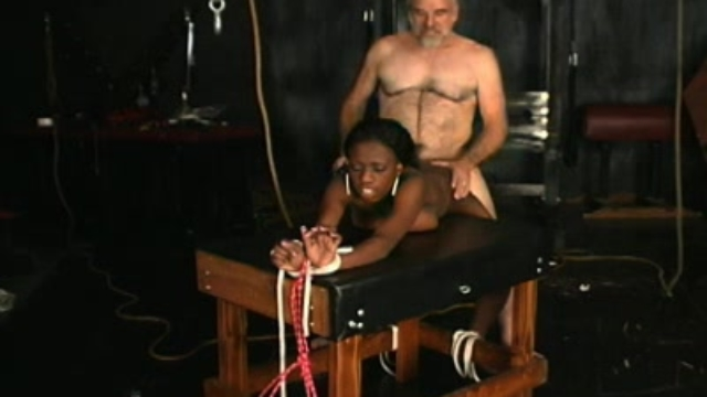 black-babe-sucking_01