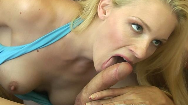 Blonde-pornstar-heidi-johnny-sucks-this-rock-hard-dick-and-turns-it-on_01