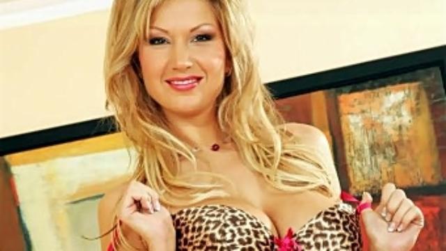 blonde-teases-her-dildo_01
