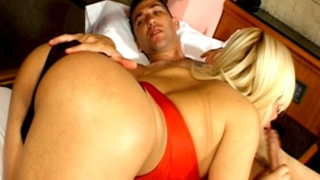 Blonde tranny bitch Romina slurping a massive penis with lust on camera