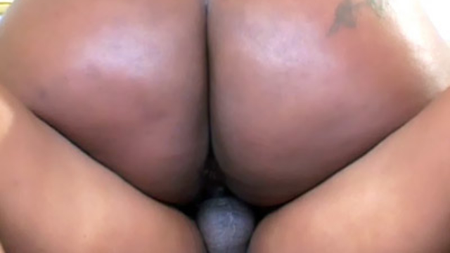 bootylicious-black-bbw-grinds-on-a-cock_01