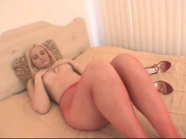 Breathless blonde hoe in red pantyhose Ariel Summer showing her amazing body
