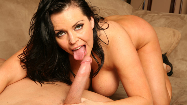 brunette-angelica-sinn-is-a-mature-dream-fuck_01