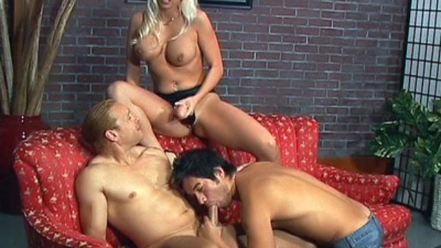 busty-bi-pornstar-teases-her-strap-on_01