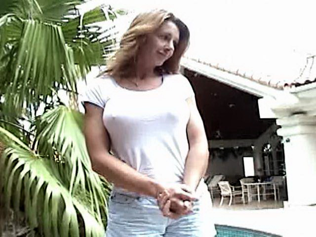 Busty blonde amateur mature bitch gives throat job on her knees outdoors