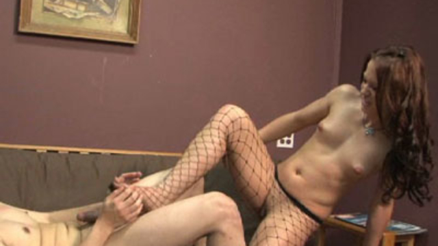 cheyenne-punishes-her-boyfriend_01-2