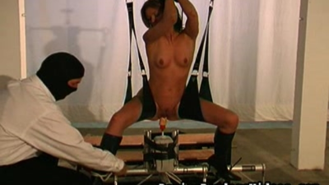 Clamped-nipples-penetrated-pussy_01-1