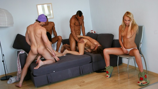 cock-hungry-college-chicks-have-a-blast_01