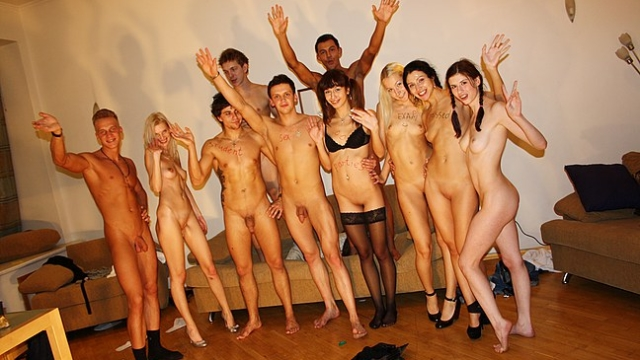 crazy-group-orgy-at-drunk-student-party_01