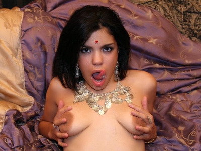 Cute Indian Ashawri Teases Her Tits