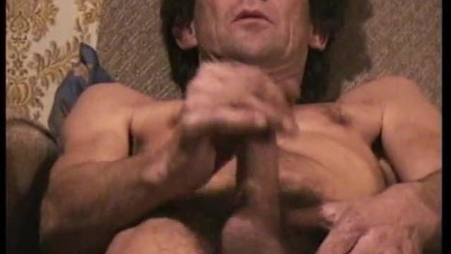 daddy-wanking-amateur-sex-video_01
