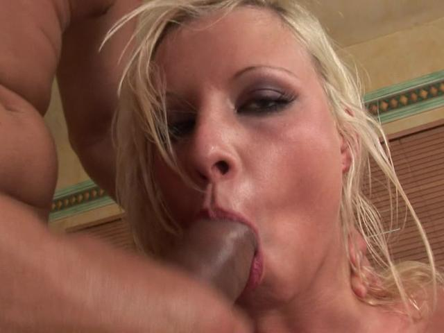 Dazzling blonde nymphet slurping an immense cock