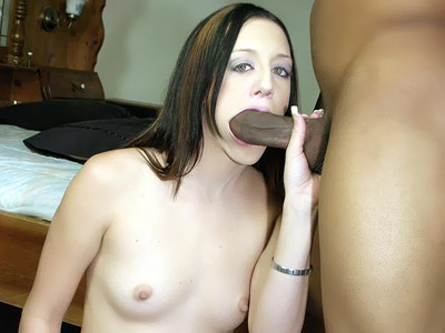 Deja Dare Mouthing a Thick Black Shaft