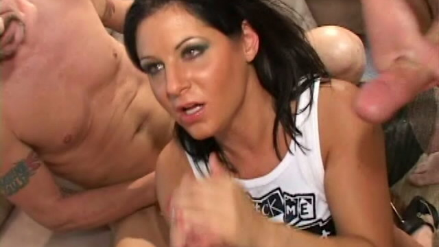 dusty-haired-pornstar-ariana-jolee-sucking-three-monster-shafts-on-her-knees_01