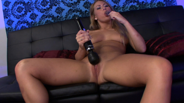 Eager-and-obedient-sex-slave-carter-cruise_01-1