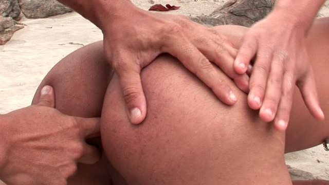 erotic-bronzed-gays-christian-torquato-and-junior-pavanello-fingering-their-sexy-buttholes-on-an-island_01