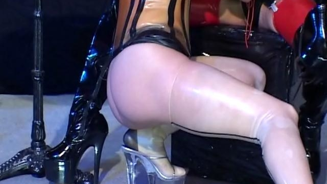 excited-lesbian-slave-in-latex-clothes-vaneckova-rubbing-a-hot-babes-slick-snatch_01-1