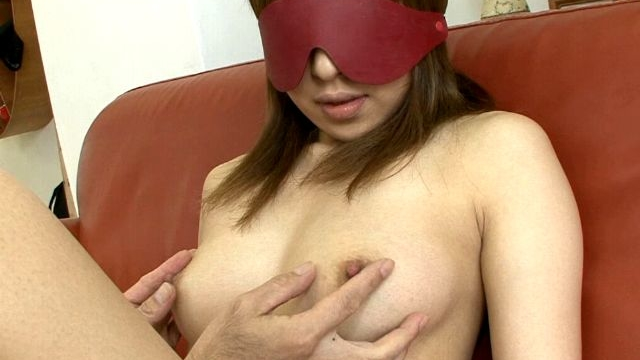 Eye-folded-japan-cutie-yuu-mizuki-stripping-and-having-sexy-boobs-massaged_01-2