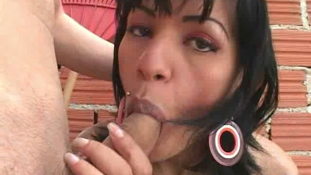 Fantastic-brunette-tranny-getting-sexy-round-ass-fingered-outdoors_01-1