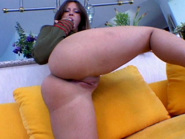 Good looking military slut Liza Harper masturbating her sexy round butt