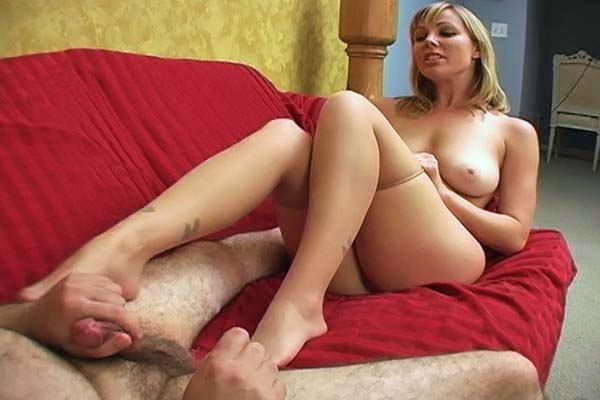 Gorgeous Smothering Brutal Ball Busting XXX Porn Tube Video Image