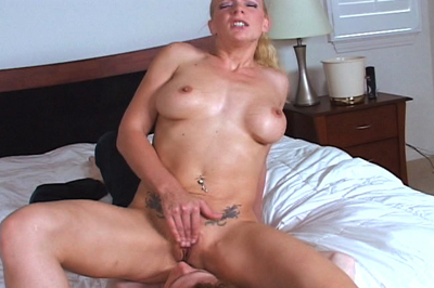 Heidi Mayne Takes Her Slave Out of the Closet for More Smothering