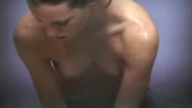 hidden-camera-catches-a-naked-girl-in-locker-room_01