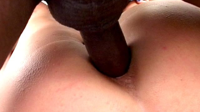 Horny-army-hooker-kami-andrews-gets-pink-asshole-black-smashed_01