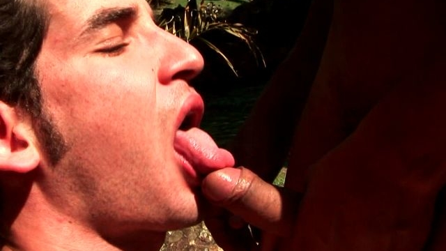 horny-brunette-amateur-gay-andre-licking-felixs-shaft-on-his-knees-outdoors_01