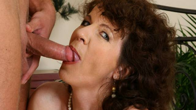 horny-milf-begs-for-more-fucking_01