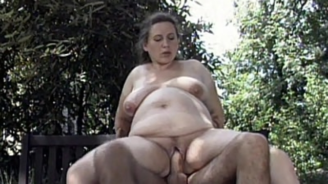 horny-preggo-riding-a-cock_01