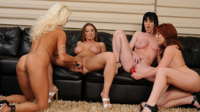 hottest-group-lesbian-action-that-youll-see_01