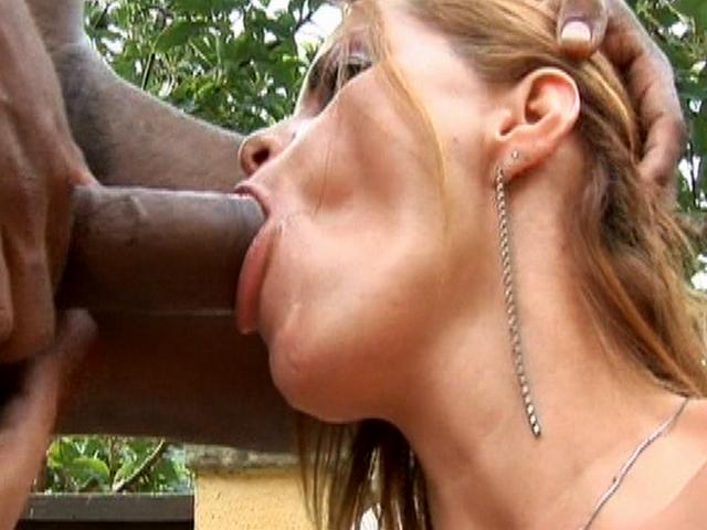 Incendiary hooker with hairy pussy Tais slurping a massive dark cock outdoors