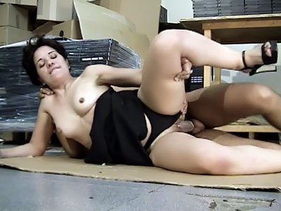 Latina Opens Wide For a Good Fuck
