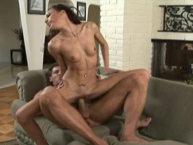 Layla Riviera takes off her shirt and gets her bald kitten banged