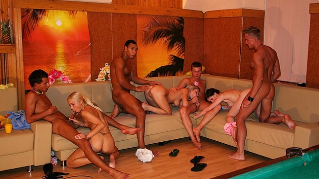 lesbian-action-and-group-orgy_01