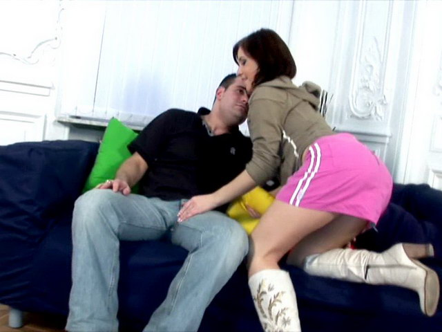 Lovely brunette Russian babe Vicky getting pink quim licked and fucked on the couch