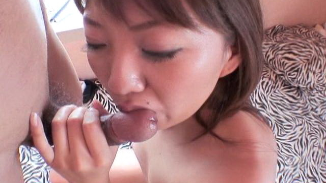 lovely-japanese-girl-yu-shiraishi-licks-and-slurps-a-big-cock_01