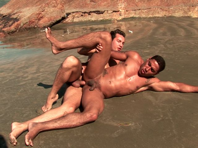 Loving gays Alber Charles And Anthony Gimenez fucking their sexy butt on the beach