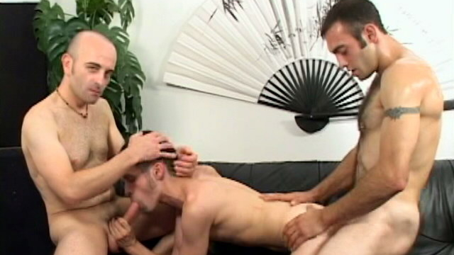 lucky-brunette-gay-jean-phillipe-getting-banged-by-two-gigantic-dorks_01