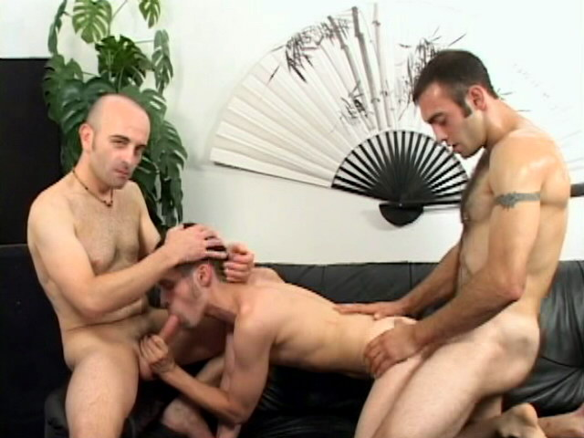 Lucky brunette gay Jean-phillipe getting screwed by two impossible cocks