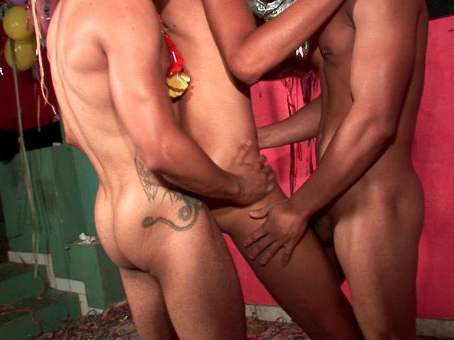Lucky gay Tony getting pounded by Kaike Montani And Rick Solares in a hot threesome